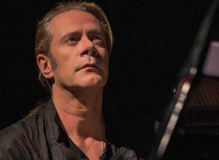 Κορκολής: «Η μουσική είναι μία και δεν έχει ταμπέλες»