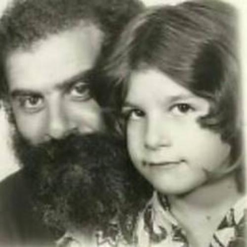 Nαταλία Ρασούλη: «Ο πατέρας μου ήταν από τους πιο ανατρεπτικούς ροκάδες στο στίχο!»