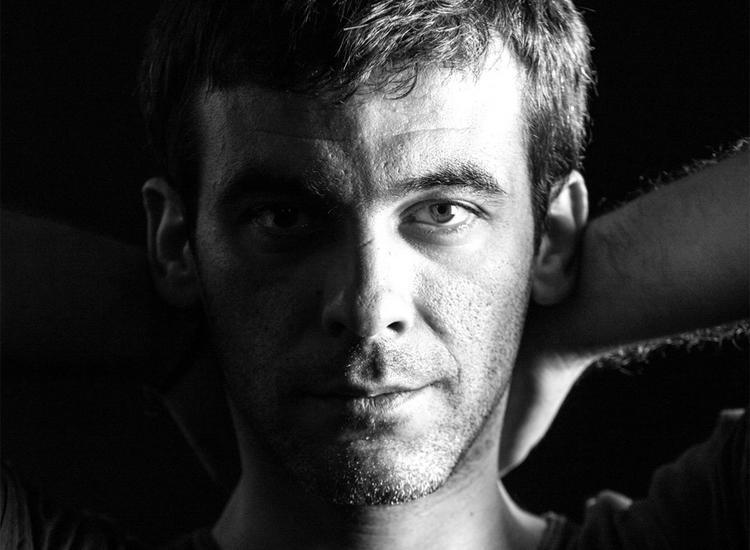 Γιώργος Ανδρέου- Γιώργος Καζαντζής: Καλοκαίρι 2017 Ερμηνεία: Κορίνα Λεγάκη. Συμπράττουν: Βασίλης Λέκκας, Απόστολος Ρίζος