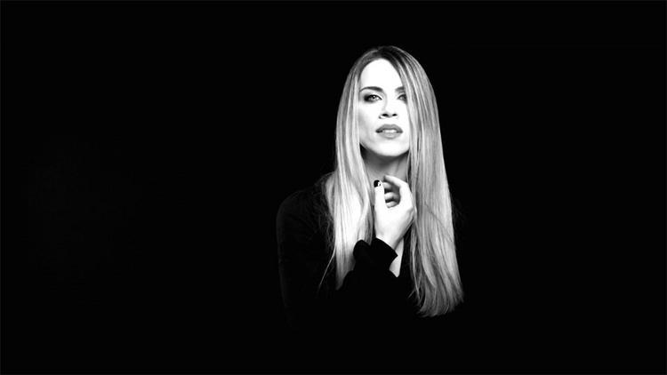 «Στα μικρά μας λάθη»- τραγούδι των Έτερονήμισυ από τη Σαββέρια Μαργιολά