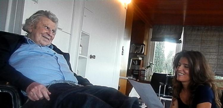 Μπέττυ Χαρλαύτη: «Ειρήνη και Ενότητα των λαών, το μήνυμα του Μίκη στο νέο μου δίσκο»