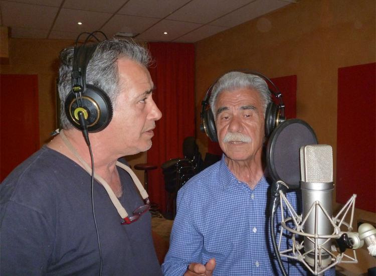 Παντελής Θαλασσινός και Βασίλης Σκουλάς τραγουδούν Βέρα Βασιλείου-Πέτσα