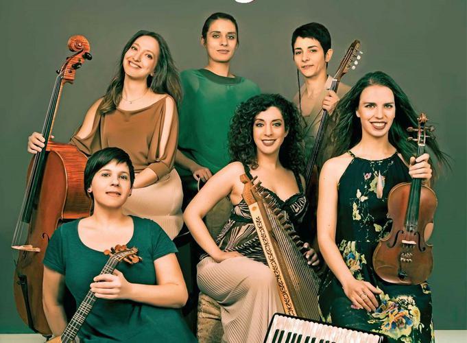 H oρχήστρα «Smyrna» στο ΠΕΡΑΝ