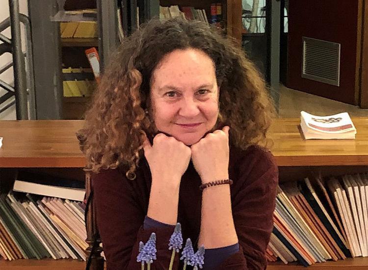 Άρτεμις Αλκαλάη:« Η επαφή μου με τους επιζώντες από τα στρατόπεδα άλλαξε ριζικά τις ιεραρχίες μου »