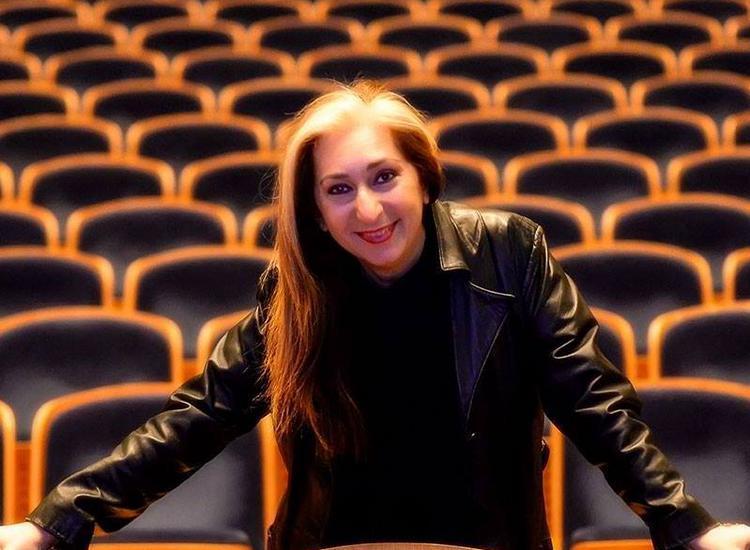 Αλεξάνδρα Gravas: «Η Τέχνη ενώνει τον κόσμο. Αρκεί να θέλεις να μοιραστείς και να προσφέρεις!»