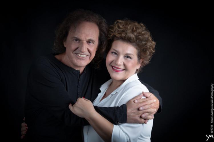 Ο Βασίλης Παπακωνσταντίνου και η Γιώτα Νέγκα στο «Anodos Live Stage»