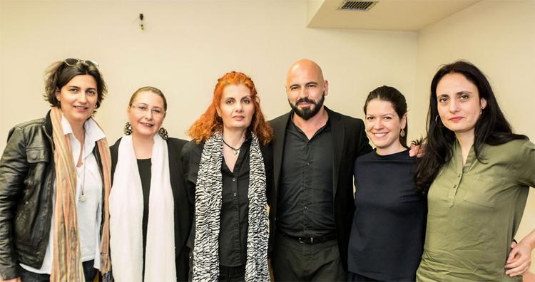Aπό αριστερά προς δεξιά:Σέβη Παπαδοπούλου, Έλλη Ρουμπέν (Artway- Tεχνότροπον), Έλενα Χριστάκου (Artway- Tεχνότροπον), Δημήτρης Μαραμής, Αφροδίτη Παπακαλού (δημοσιογράφος Freesunday), Mίνα Μαύρου (δημο