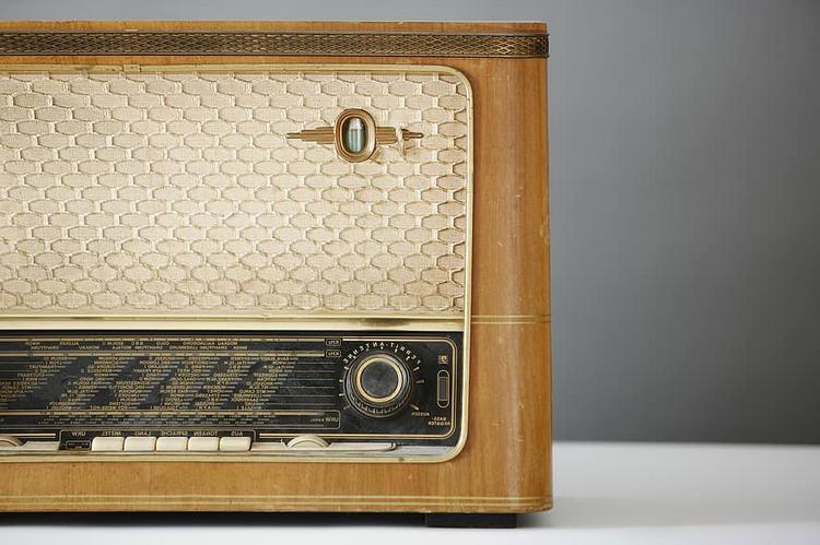 Παγκόσμια Ημέρα Ραδιοφώνου - 5 δημοσιογράφοι ΟΝ AIR