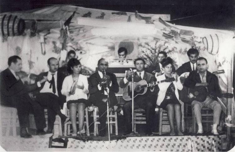 ΕΛΛΗΝΩΝ ΔΡΩΜΕΝΑ - «O τραγουδιστής Τάκης Καρναβάς»