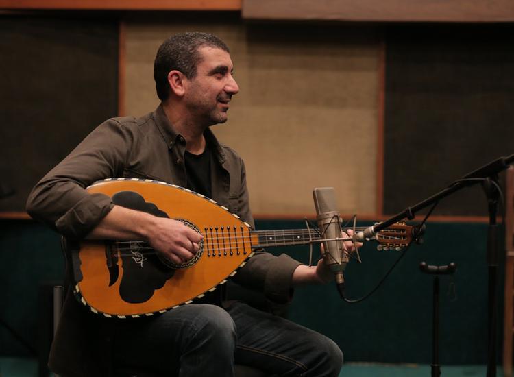 Bασίλης Τριάντης: «Τα μουσικά μου βιώματα είναι ένα ψηφιδωτό από μουσικές»