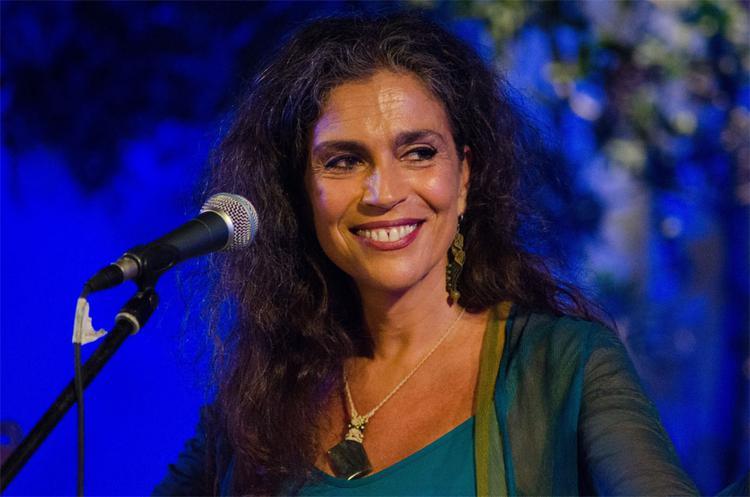Η Σαβίνα Γιαννάτου και οι Primavera En Salonico στη Μύκονο
